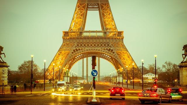 Lease a car in Paris